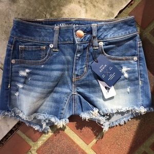NWT || American Eagle shorts size 00